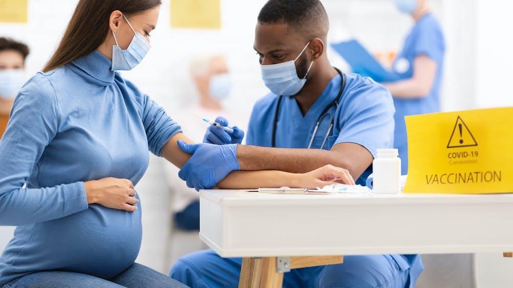 Faut-il vacciner les femmes enceintes